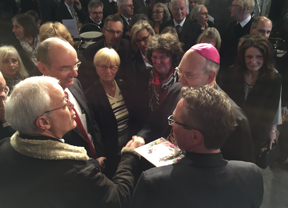 Lerne den neuen Bischof von Aachen kennen
